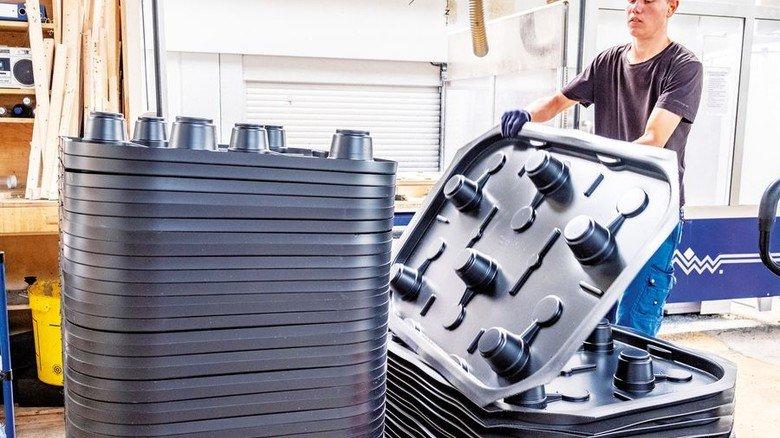 Da rutscht nichts: Die geformten Kunststoffplatten sind den Produkten, die darin transportiert werden, perfekt angepasst. Foto: Roth
