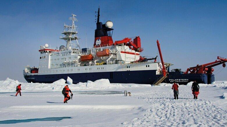 """Einsatz im Eis: Die multinationale """"Mosaic""""-Mission, die das Schiff im Nordmeer absolvierte, war die größte Arktis-Expedition aller Zeiten."""