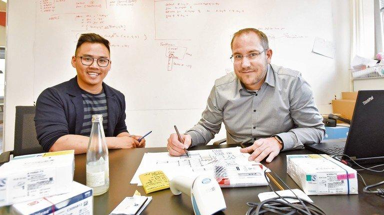 Duc Huy Phan und Jan Koch (von links): Im Werk_39 arbeiten gemischte Teams.