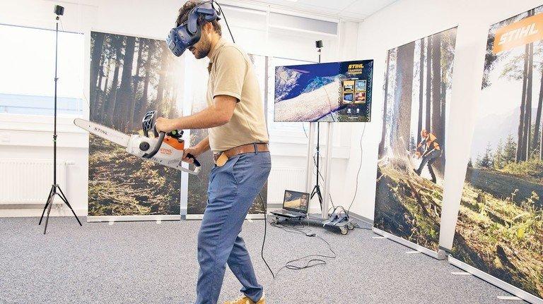 Sägen-Simulator: Das Unternehmen Stihl aus Waiblingen wurde für sein ausgeklügeltes virtuelles Schulungskonzept mehrfach ausgezeichnet.
