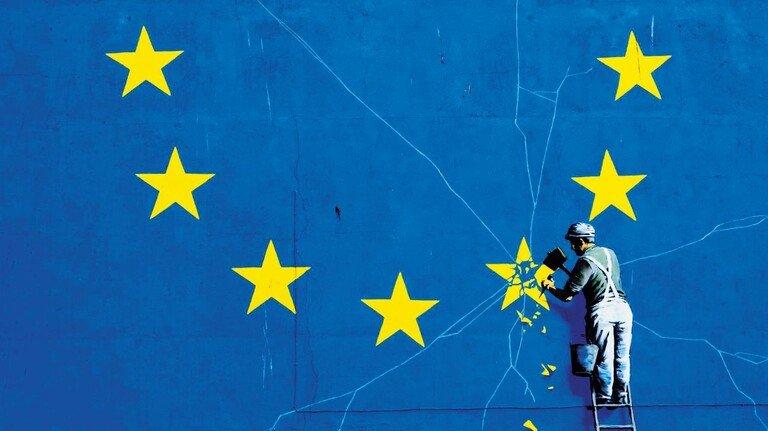 Graffito an einer Mauer in Dover: Der britische Street-Art-Künstler Banksy bringt in seinem (inzwischen übermalten) Bild die Mühen des Brexits auf den Punkt.