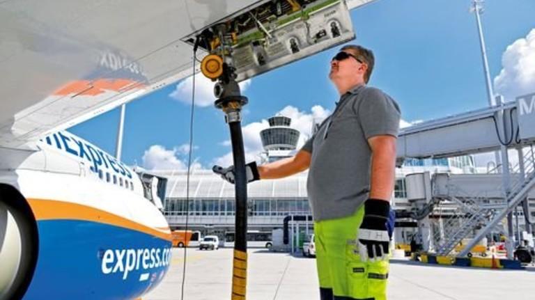 Vollmachen bitte: 100.000 Euro kostet die Tankfüllung eines durchschnittlichen Jets. Foto: ATF Pictures