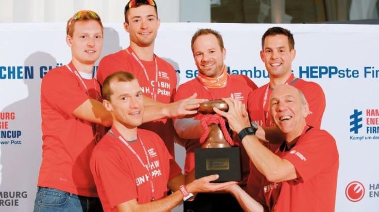 Stolze Sieger: Die Still-Sprinter hängten alle Wettbewerber ab und holten den Pokal. Foto: Werk