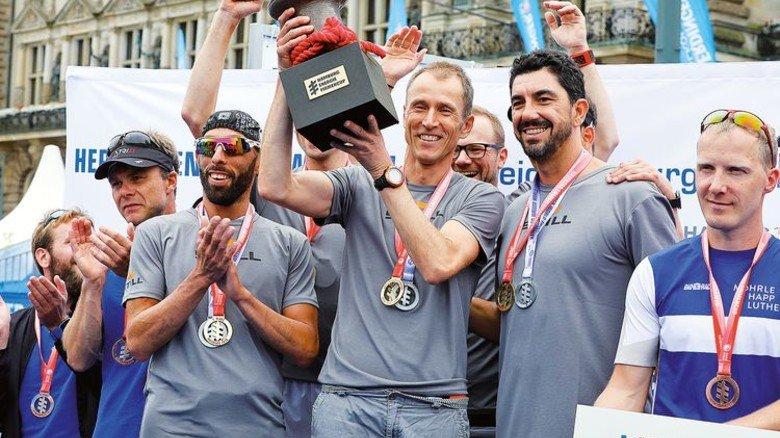 """Triathlon-Triumph: Beim """"Hamburg Energie Firmencup"""" siegte Still auf der Sprintdistanz. Foto: Hinrich Franck/Still"""