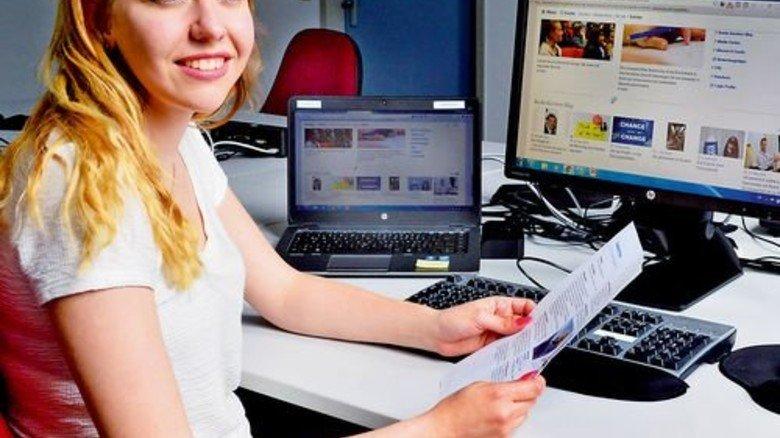 Mag ihre Ausbildung: Hanna Hirsch, angehende Kauffrau für Büromanagement. Foto: Rinerspacher