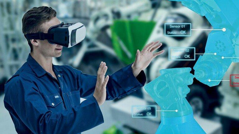 Digitalisierung: Arbeiten mit virtueller Realität, Robotern und vernetzten Systemen wirdim Berufsalltag immer selbstverständlicher. Entsprechend wandeln sich auch die Ansprüche an die Fertigkeiten der Menschen, die mit der neuen Technik umgehen.