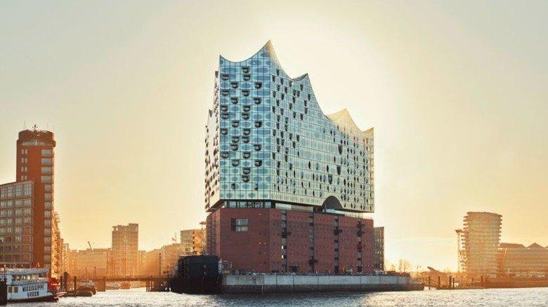Spektakuläres Bauwerk: Die Bühnentechnik der Elbphilharmonie arbeitet mit Wellen aus Stapelfeld. Foto: Werk