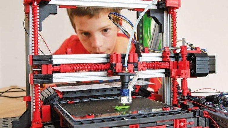 Hightech: Das Modell veranschaulicht moderne Industrieproduktion. Foto: Mierendorf