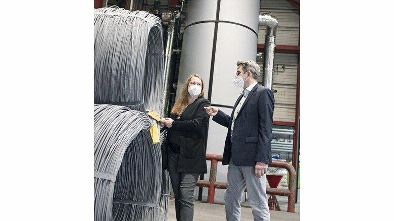 Vielversprechend: Kim Hücking und Sascha Schmoll setzen als Chefs der Firma Brüninghaus auf die Wärmerückgewinnung bei der Bearbeitung von 20.000 Tonnen Draht im Jahr.