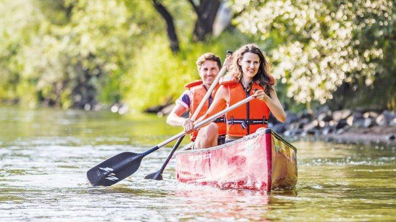 Romantisch: Zu zweit in der Wildnis auf dem Schwarzen Regen. Foto: Tourismusverband Ostbayern