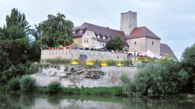 Auf der Insel: Stimmungsvolle Kulisse beim Weinfest in Lauffen am Neckar. Foto: Veranstalter