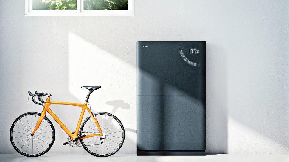 Schicke Batterie: Der flache, schwarze Siemens-Akku für private Nutzer braucht nicht viel Platz.