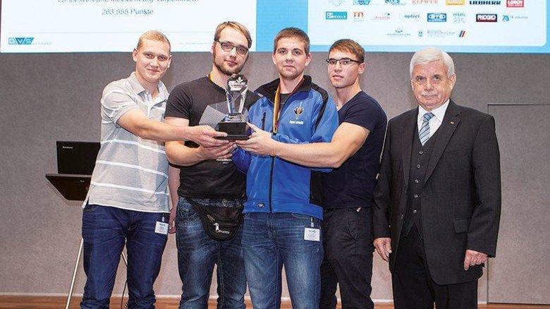 Erfolgreicher Nachwuchs: Ruben Siems (Mitte) … Foto: Werk