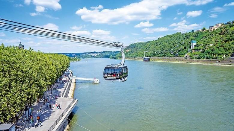 Koblenz: Seit dem Jahr 2010 verkehren Gondeln über dem Rhein. Foto: Seilbahn Koblenz