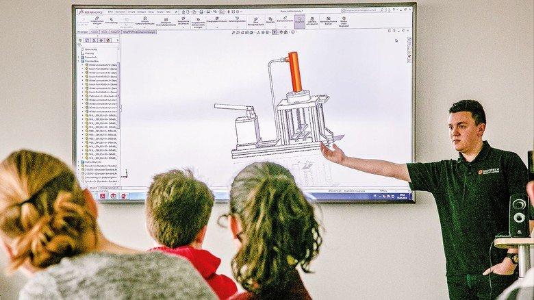 … zuvor haben die Schüler erfahren, wie man so eine Presse per CAD plant.