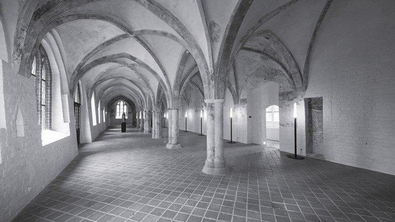 Integriert: Auch der Kreuzgang des alten Burgklosters ist Teil des Museums. Foto: Radbruch