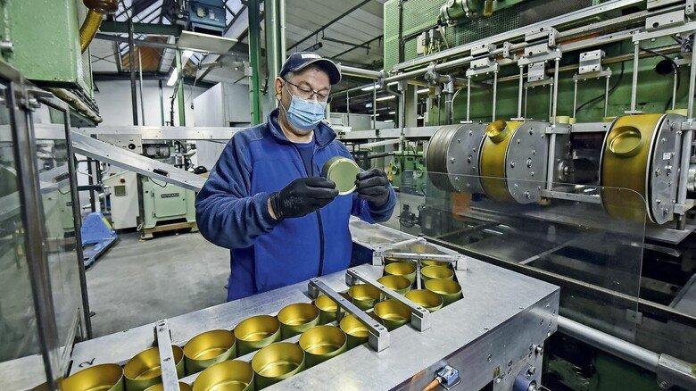 Rundes für Süßes: Pano produziert auch Bonbondosen für die bekannte Marke Cavendish & Harvey, die ihre Produkte in mehr als 80 Länder verkauft.