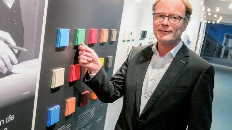 """Werkleiter Dirk Wettlaufer: """"Wir arbeiten seit drei Jahren an der Industrie 4.0."""" Foto: Roth"""
