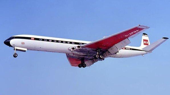 """Leitete das Zeitalter der Düsenjets in der zivilen Luftfahrt ein: Die """"Comet"""" des britischen Flugzeugbauers De Havilland. Foto: Altair78"""