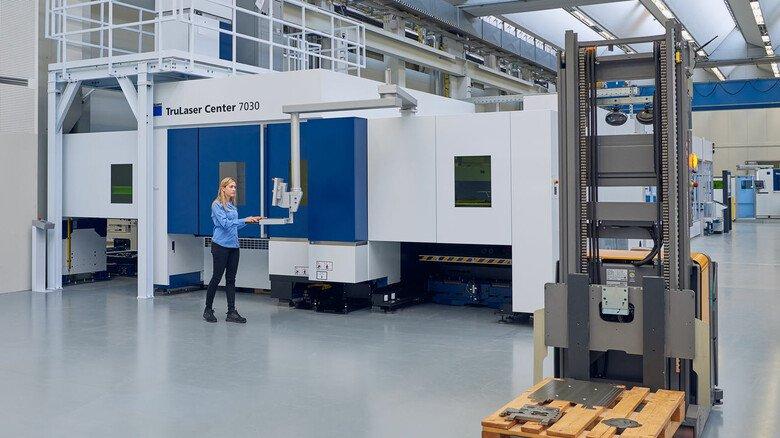 Führerlose Flitzer: In der Smartfactory in Ditzingen sind mannlose Gabelstapler unterwegs.