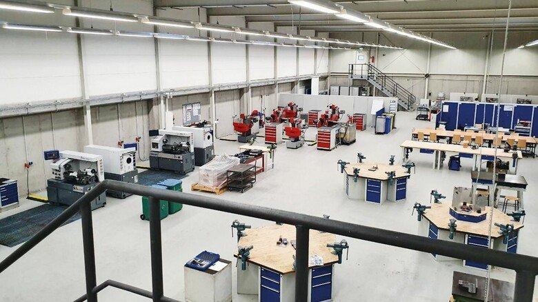 Großzügig: Die neue Halle mit viel Platz und modernster Technik.