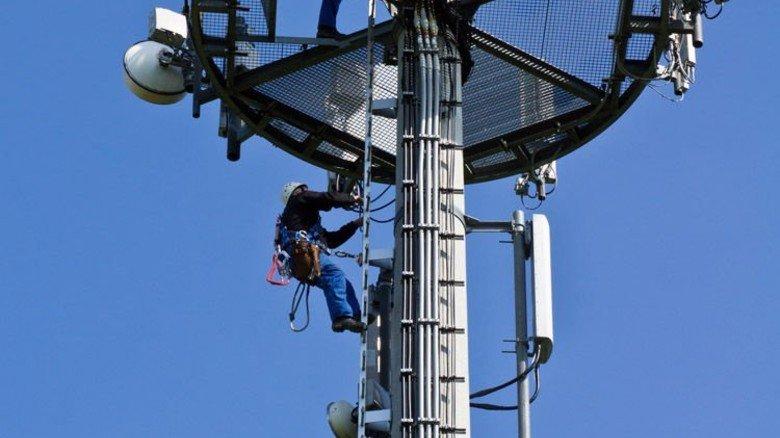Installation: LTE-Netze verbessern die Internetanbindung auf dem Land. Foto: Vodafone