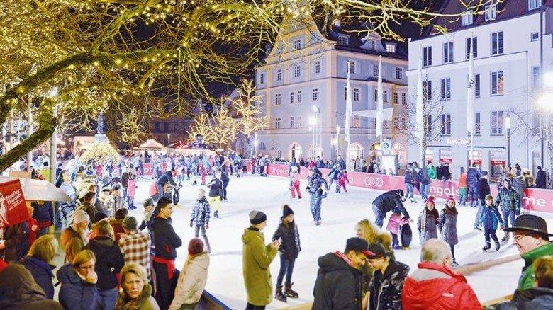 Nur für kurze Zeit: Eislaufen auf dem Paradeplatz in Ingolstadt. Foto: Stadt Ingolstadt