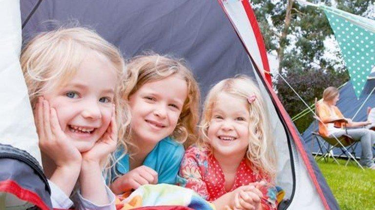 Hallo: Im Zelt wird der Urlaub schnell zum richtigen Abenteuer. Foto: Fotolia