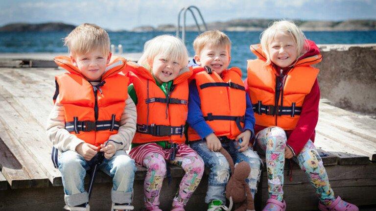 Urlaubsstimmung: Wer Kinder von Freunden oder Bekannten mit nimmt, sollte sich gut absichern.