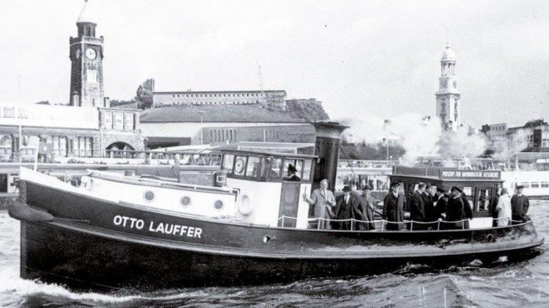 Hamburger Original: Die 17 Meter lange Barkasse war 40 Jahre im Polizeidienst und wurde 2009 unter Denkmalschutz gestellt. Foto: Museumshafen