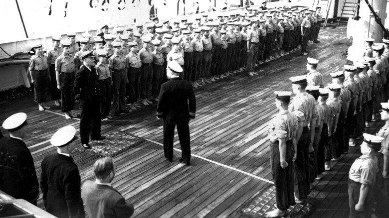 In England: In der 1930er Jahren wurde das Schiff als schwimmendes Internat genutzt.