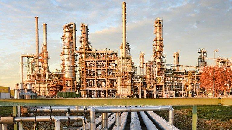 Total-Raffinerie in Leuna: Sie verarbeitet täglich Tausende Liter Rohöl aus Russland.