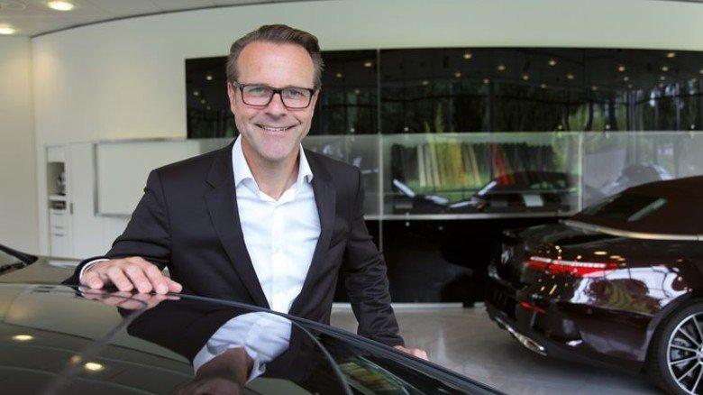 Am Arbeitsplatz bei Mercedes: Der Bremer Peter Gagelmann. Foto: GUS