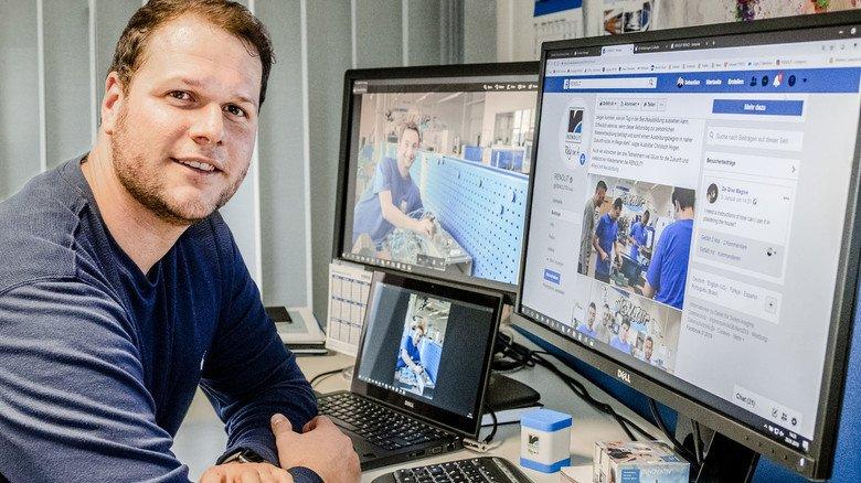 Kanäle: Auf drei Bildschirmen hat Sebastian Caesar die Social-Media-Aktivitäten von Renolit im Blick.