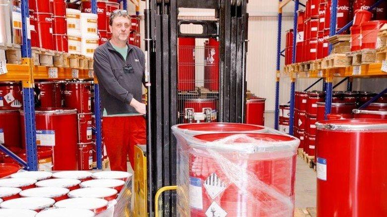 Gut sortiert: Lange warten müssen die Produkte im novatic-Lager nicht. Foto: Werk