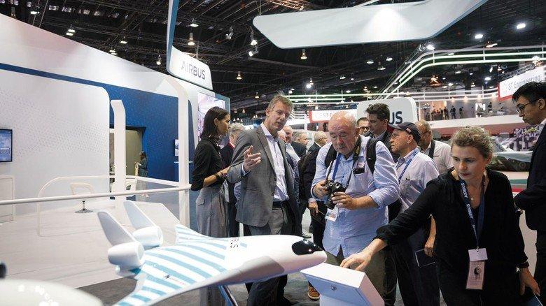 Am Messestand: In Singapur gehörte das Airbus-Modell zu den Attraktionen der Show.