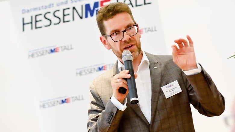 Auf dem Personalkongress IT von Hessenmetall:Sascha Stowasser, Direktor des Instituts für angewandte Arbeitswissenschaft. Foto: Scheffler