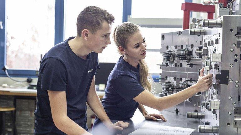 Moderne Ausbildung mit besten Aussichten: Das gibt es in M+E-Betrieben, wie hier bei IMS Gear in Donaueschingen.