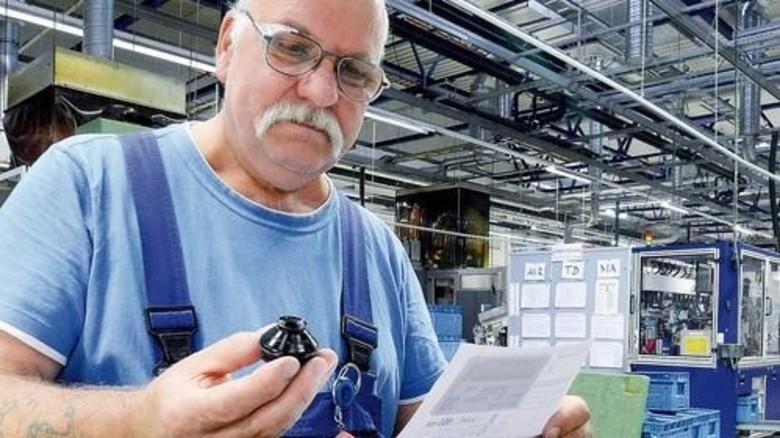 Profi am Werk: Peter Steinführer ist schon seit 35 Jahren im Betrieb. Foto: Sturm