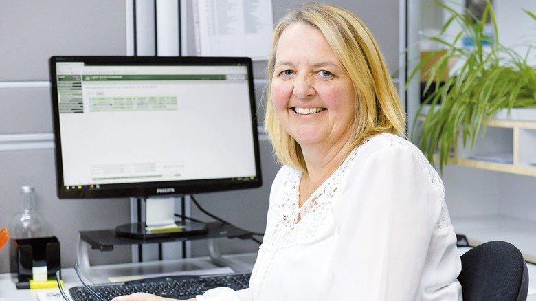Kann Zeitarbeit als Einstieg in eine Festanstellung nur weiterempfehlen: Deborah Landsdell kümmert sich bei der MSG um eingehende Aufträge.