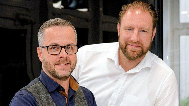 Geschäftsidee: Lars Gräfe (links) und Philipp Jung entlasten Unternehmen von der Bürokratie.