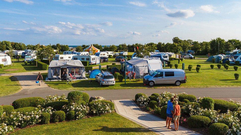 Erfrischung garantiert: In unmittelbarer Nähe zum gepflegten Campingplatz findet man den Ostsee-Strand.