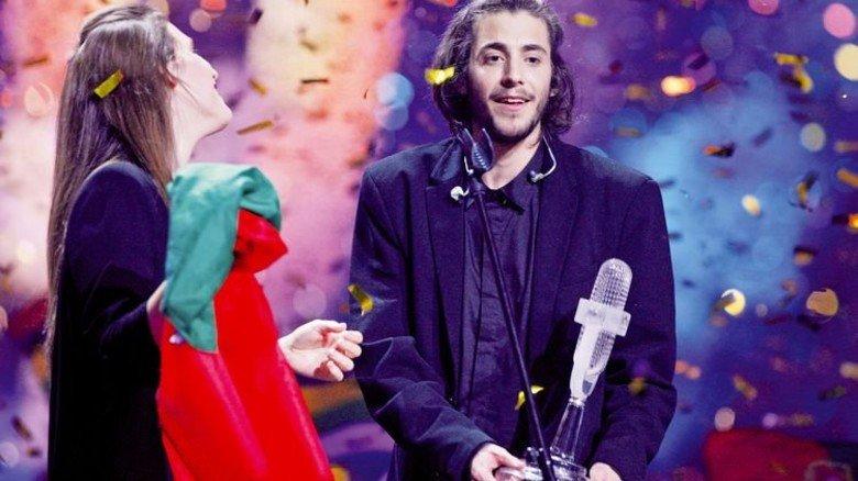 Glücklicher Sänger: Der Portugiese Salvador Sobral gewann den Song Contest in Kiew. Foto: dpa