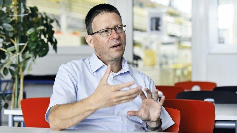Patrick Fricke, beim Maschinenbauer Hauni Leiter Business Development.