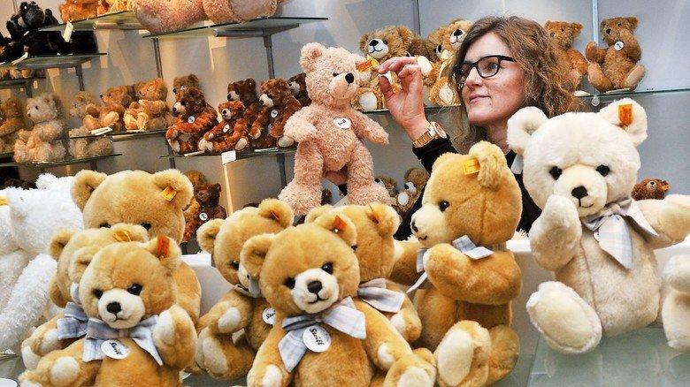 Stofftiere zum Knuddeln: Hersteller Steiff bietet in Giengen eine Erlebniswelt mit Shop und Museum.