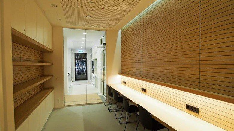 Modern: Im Inneren laden fortschrittliche Arbeitsplätze ein. Foto: MOKA-STUDIO:COM / Schrick