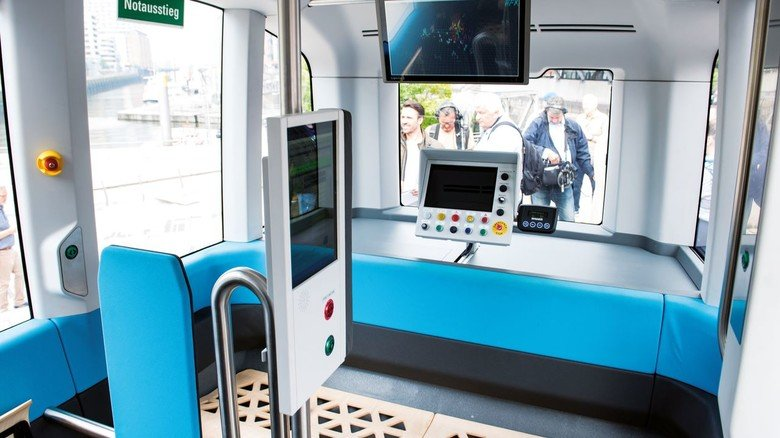 Kein Steuer, kein Fahrersitz: Ein Blick in das Innere des Fahrzeugs, das nun auf der Hamburger Teststrecke verkehrt.