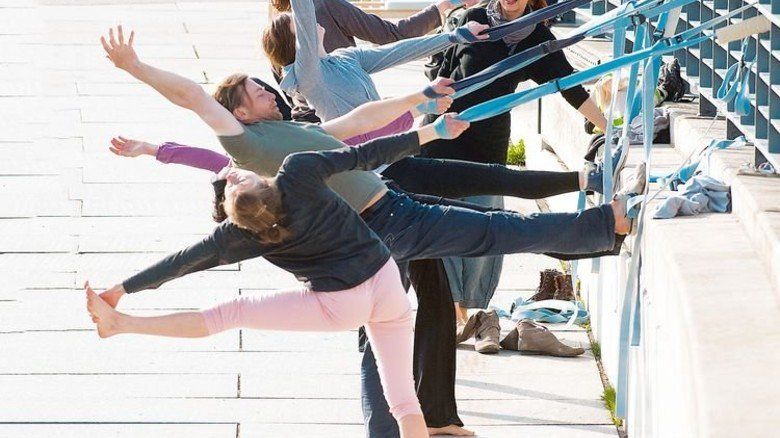 Geht in Arme und Beine: Wer ganzheitlich trainiert, ist im Alter beweglicher. Foto: dpa
