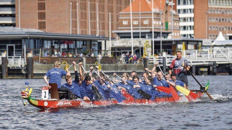 Eingespieltes Team: Sportler von TKMS bei einem Drachenboot-Turnier in Kiel.