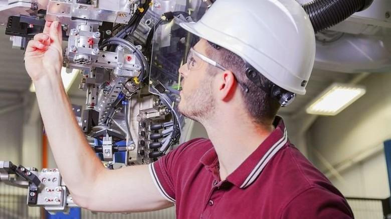 Ingenieur im Einsatz: Viele Stellen bleiben unbesetzt. Foto: Fotolia